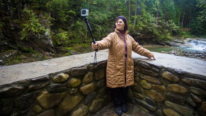 Selfie Stick Senior Travel