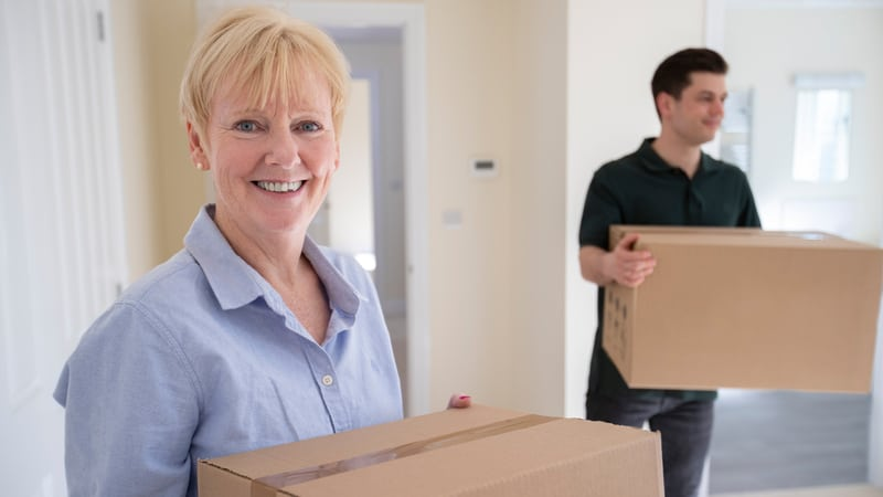 Downsizing specialist helps with downsizing
