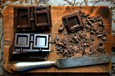 Dark chocolate is one of the foods that protect brain function!