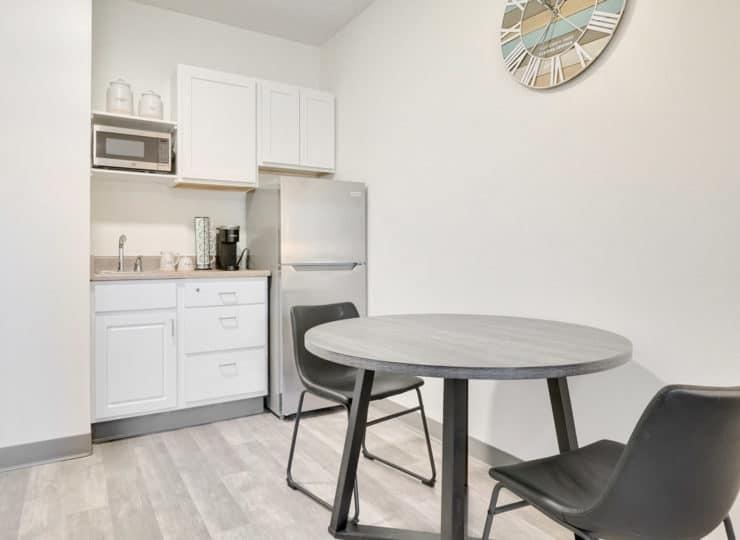 Rittenhouse Village at Michigan City apartment kitchen